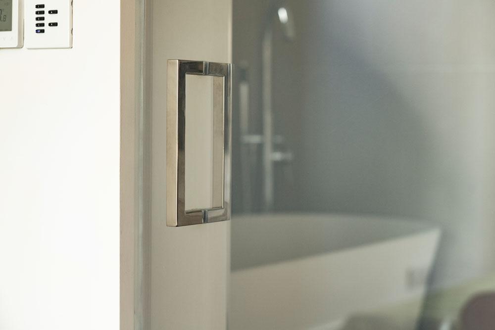 Frameless Smart Glass Door - on